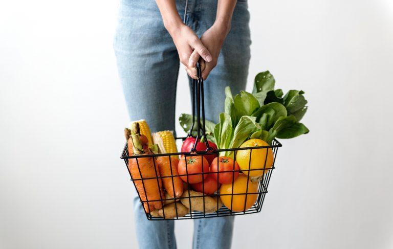 סל ירקות ופירות